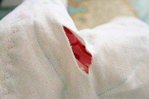 Ножницами аккуратно срезать контур сердца