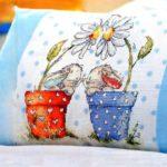 Подушка с зайчатами