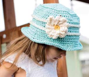 Как связать шляпу с полями для девочки