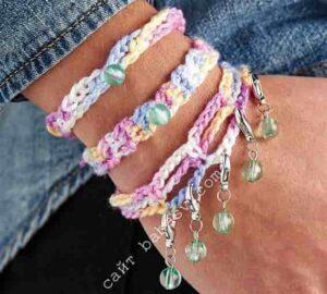 Цветочное украшение браслет связан крючком