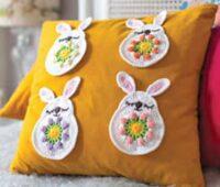Аппликации кроликов на подушке