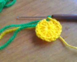 Желтая серединка из столбиков с накидами