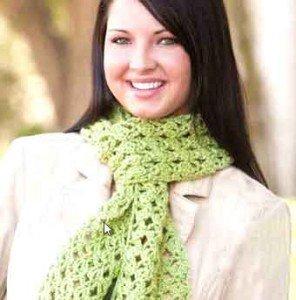 Нежный светло-зеленый шарф