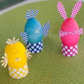 Украшение пасхальных яиц цветной бумагой