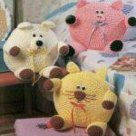 Круглые игрушки подушки связать крючком