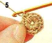 Пятый шаг вязания ягоды