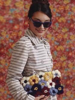 Как связать цветочную сумочку