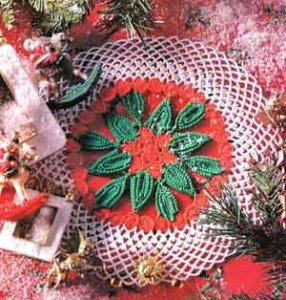 Новогодняя салфетка под елку