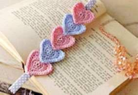 Как связать закладку для книг из сердечек