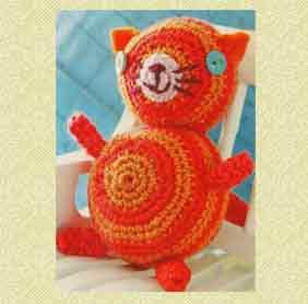 Кот оранжевый связанный крючком
