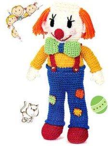 Клоун веселый связанный крючком