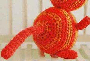 Связать крючком хвост игрушки кота