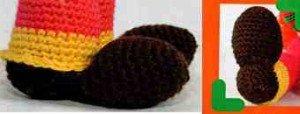 Связанные ерючком ботинки клоуна Пируэта