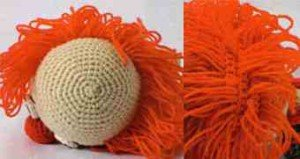 Лысина и волосы на голове клоуна