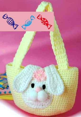 Связанная крючком сумочка с аппликацией кролика