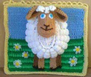 Связанная крючком овца как символ года