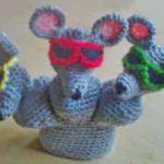 Мышки в разноцветных очках