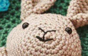 Связанная крючком голова Кролика