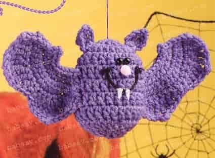 Связанная крючком декоративная мышь
