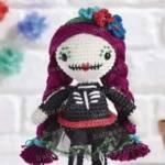 Кукла в праздничном наряде