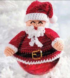 Как связать игрушку с подвеской на елку в виде деда Мороза