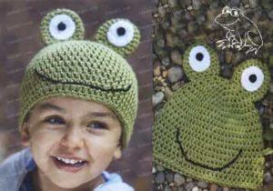 Связанная крючком шапка в виде лягушонка