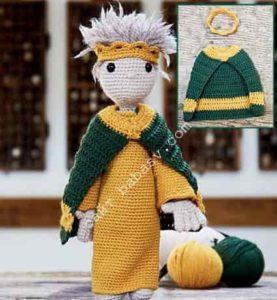 Кукла в новогоднем наряде