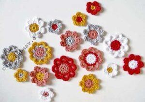 Цветы на гирлянде