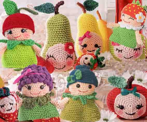 Ягоды и фрукты связать крючком в виде 9 персонажей