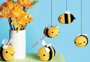 Пчелы маленькие связаны крючком