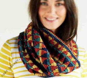 Цветной и удобный мериносовый шарф крючком
