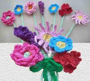 Коллекция цветов на платье связана крючком хлопковой пряжей