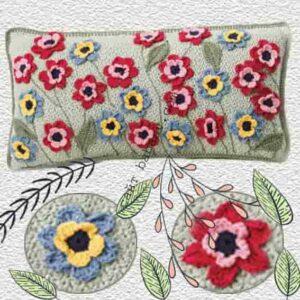 Коллекция цветов на подушке связана крючком по описанию